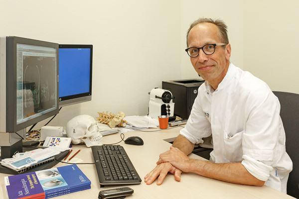Neurochirurg Tom Aalders, Isala.  Foto: Pedro Sluiter Foto 2018
